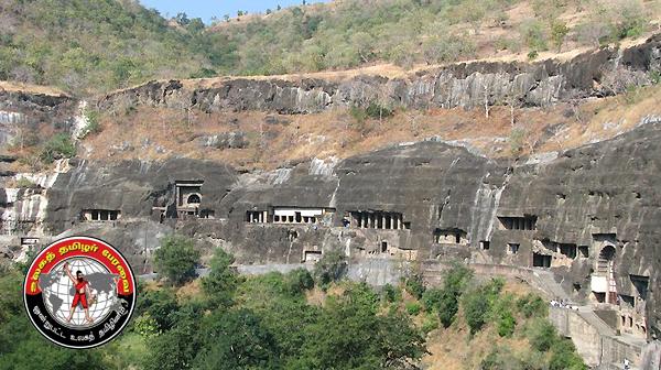 ஒற்றைக் கல்லில் ஓர் அதிசயம் : எல்லோரா குகைக் கோயில் !
