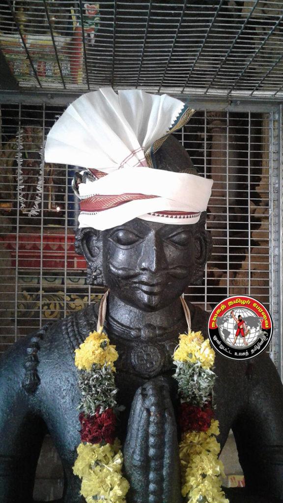 சிவகங்கை மாவட்டம் காளையார் கோயிலில் உள்ள சின்ன மருதுவின் சிலை
