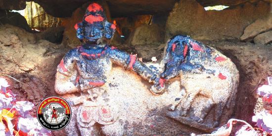 16ம் நூற்றாண்டைச் சேர்ந்த இரண்டு நடுகற்கள் ஏற்காடு மலைக் கிராமத்தில் கண்டுபிடிப்பு!