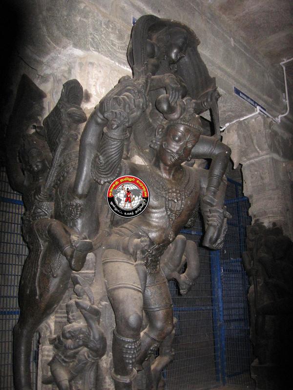 கிருஷ்ணாபுரம் கோவிலில் சிதையும் சிற்பங்களை அறநிலைய துறை பாதுகாக்குமா?