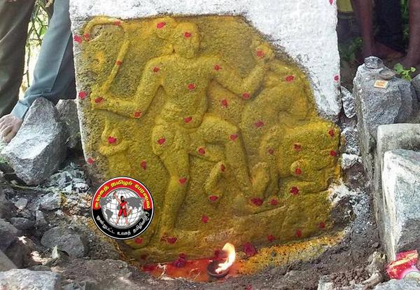 திருப்பத்தூர் அருகே, கி.பி.15-ம் நூற்றாண்டைச் சேர்ந்த 'ஏறு தழுவல்' வீரனின் நடுகல் கண்டுபிடிப்பு!
